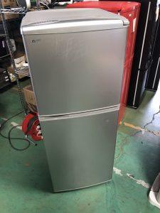 冷蔵庫を鶴見区のお客様から引取りさせていただきました